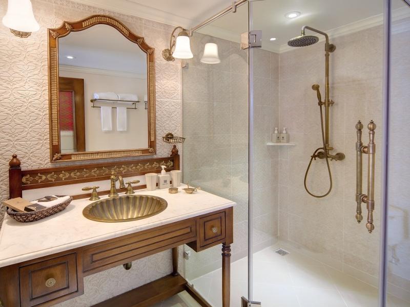 Jahan bathroom