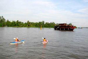 Bassac cruise kayaking