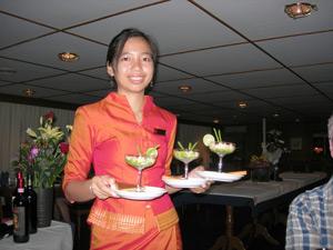 dinner-service-cambodia