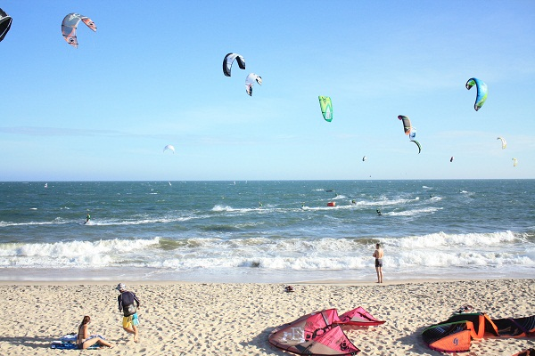 Kite surfing in Mui Ne