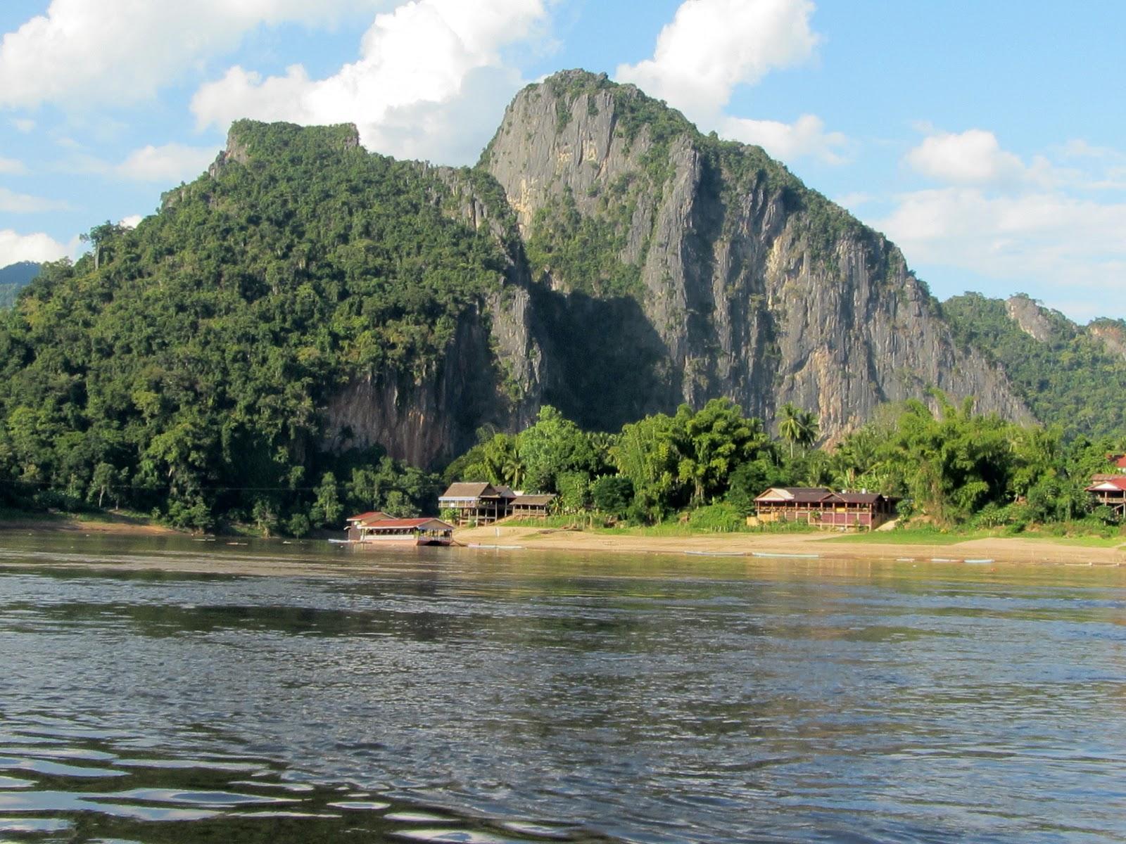 Pak Ou Caves - Luan Prabang