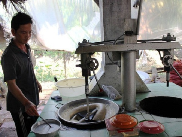 These days, machine plays an important role in coconut candy producing.