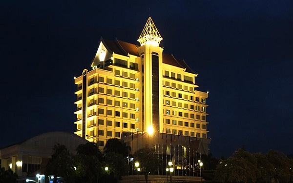 """A thousand window"" hotel at night"