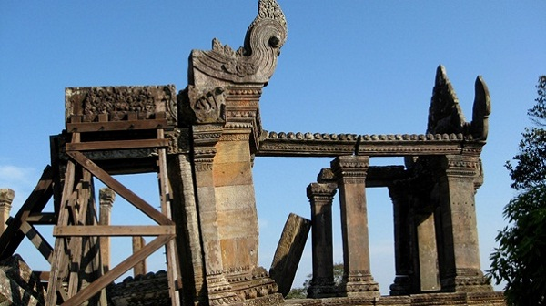 Symbols in this temple were carved in sandstone extremely sophisticated