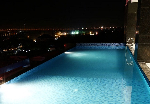 Fortuneland Hotel offers an outdoor pool
