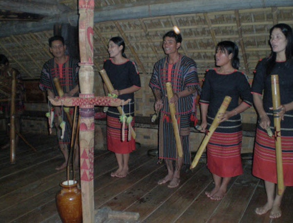 Lat Village Original minority tribe