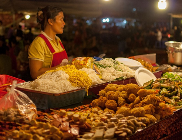 In Siem Reap street food tour, you will have a variety of mouthwatering dishes to choose