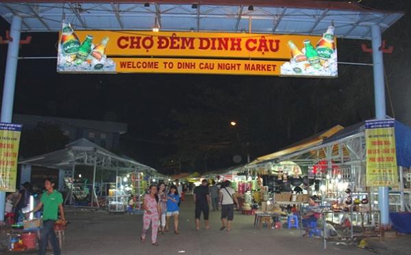 Discover Dinh Cau night market in Phu Quoc Island