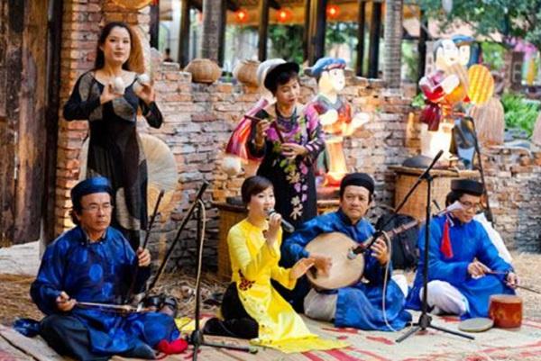 "The first ""Don Ca Tai Tu"" festival"