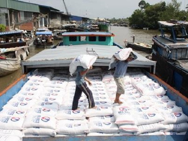 Vietnamese rice bags being exported