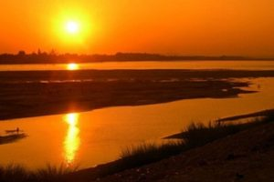 Watching sunset on Mekong River will be a wonderful experience.