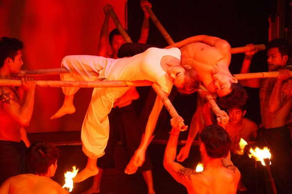 A performance in Phare circus which only opens in the evening