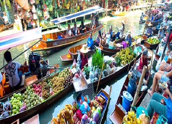 Tourists at floating market