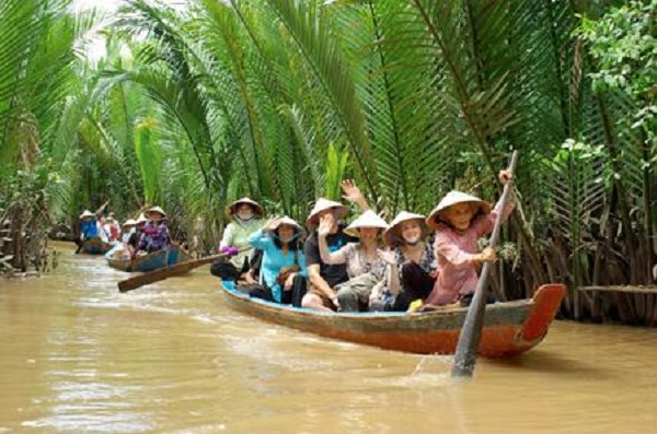 Paddle down Mekong Delta