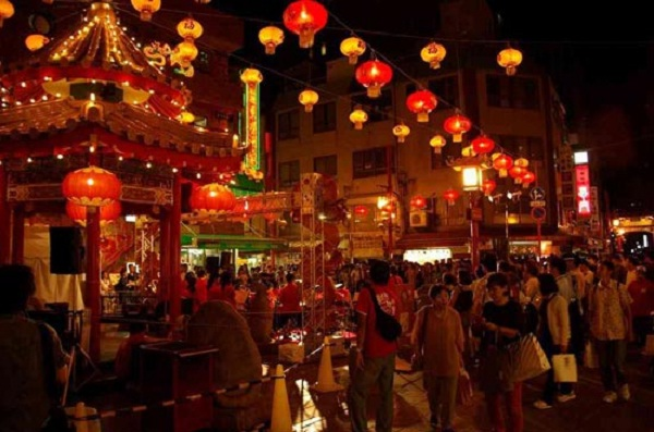 Cho Lon – Chinatown in Ho Chi Minh City in the night