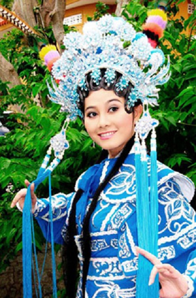 Que Tran – One of famous Cai Luong singer