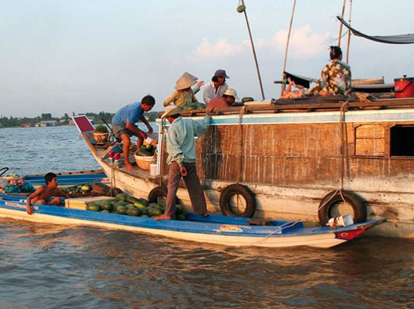 From Ho Chi Minh City to Phnom Penh by boat