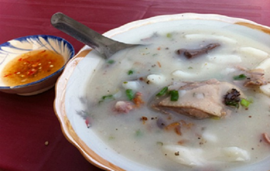 Noodle made from sliced flour in Ben Tre