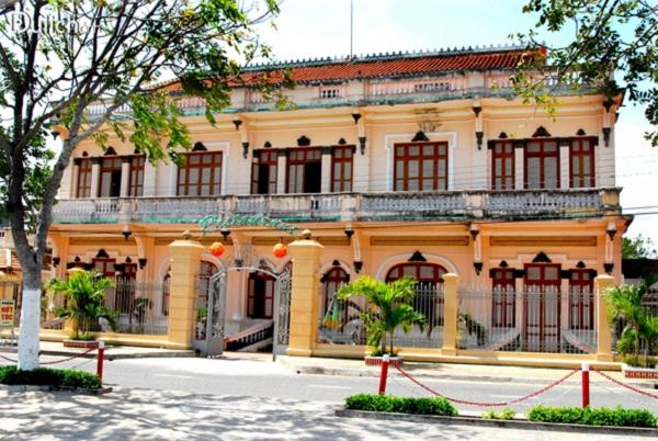 Cong Tu Bac Lieu house