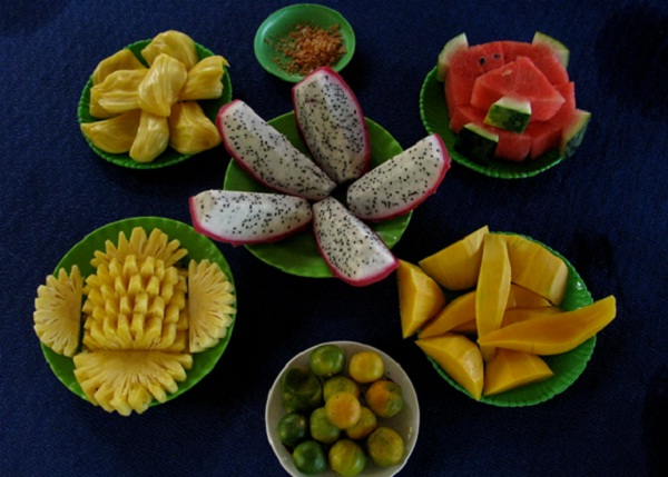 Many kinds of tropical fruits are harvested in the period from June to September in Mekong Delta