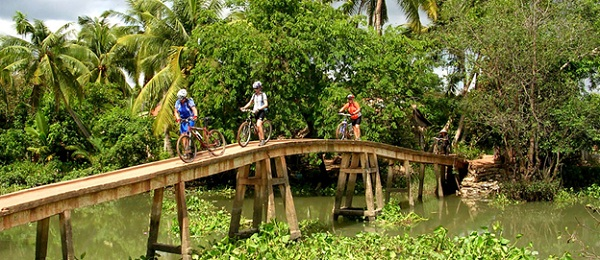 Mekong Delta tour by bike can be a totally new adventure to tourists