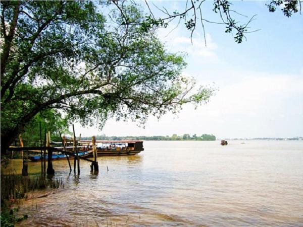Phung Tien river