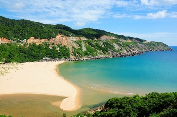 The most primitive beaches in Vietnam