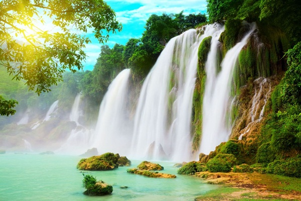 The majestic beauty of Ban Gioc waterfall