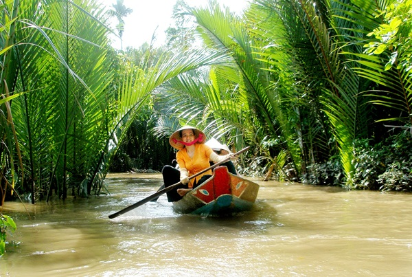 The tiny boat by which you can explore Mekong delta
