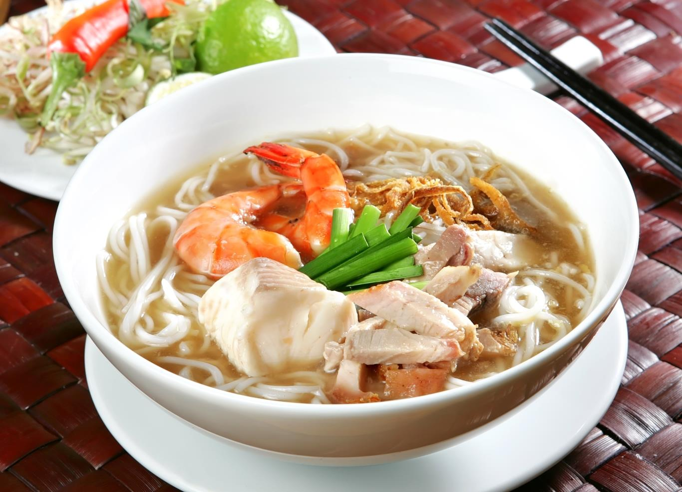 A bowl of noodle soup in Soc Trang will impress you at the first time