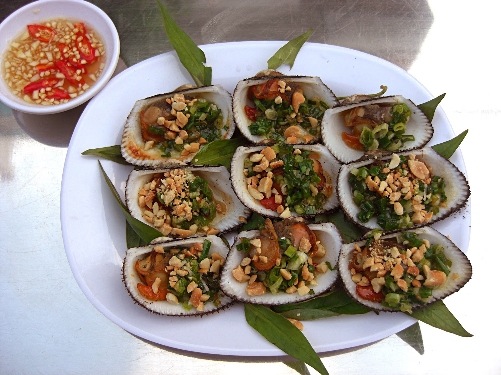 Grilled scallops in Mui Ne