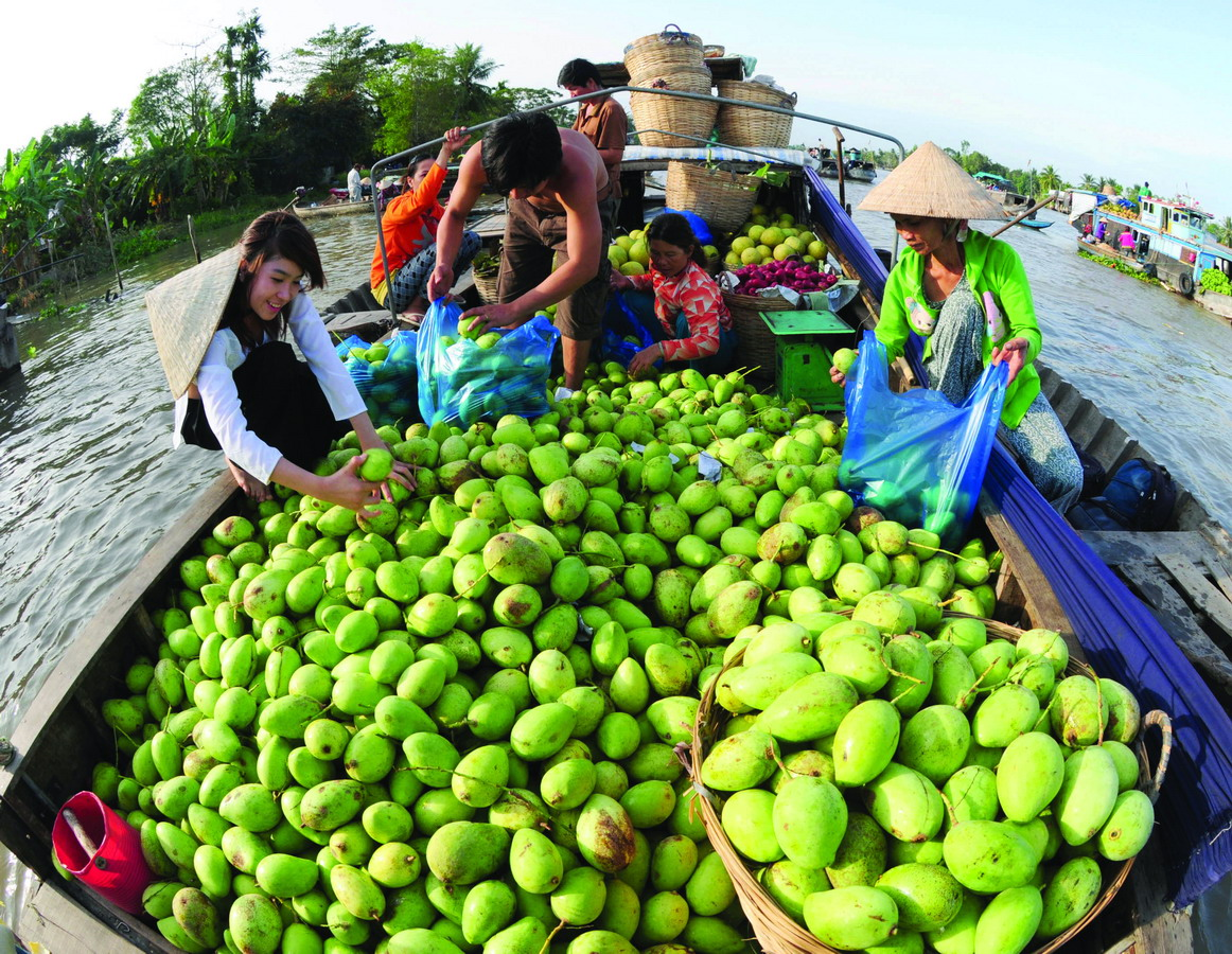 Mangoes are being sold on floating boat