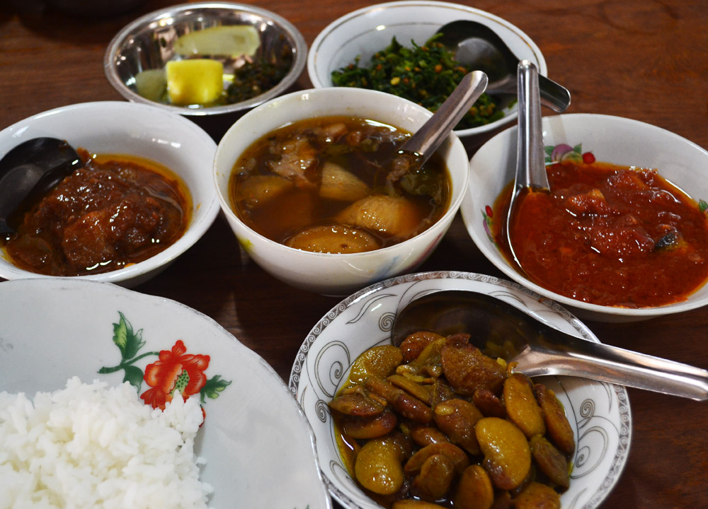 Traditional Burmese meal