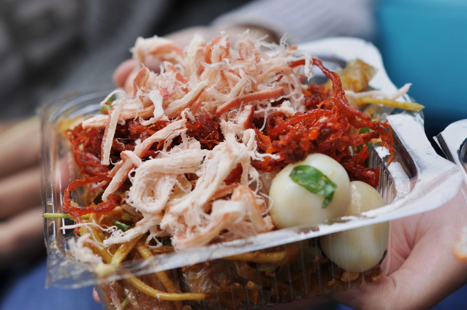Relish Banh Trang Tron