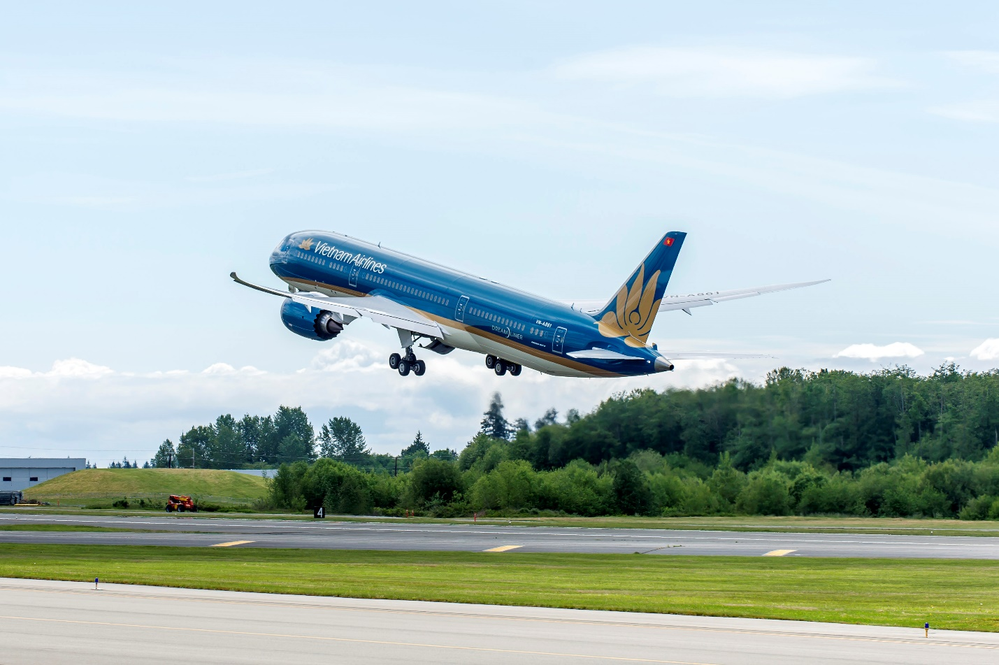 Vietnam Airlines serve route to Myanmar with qualified servicesVietnam Airlines serve route to Myanmar with qualified services