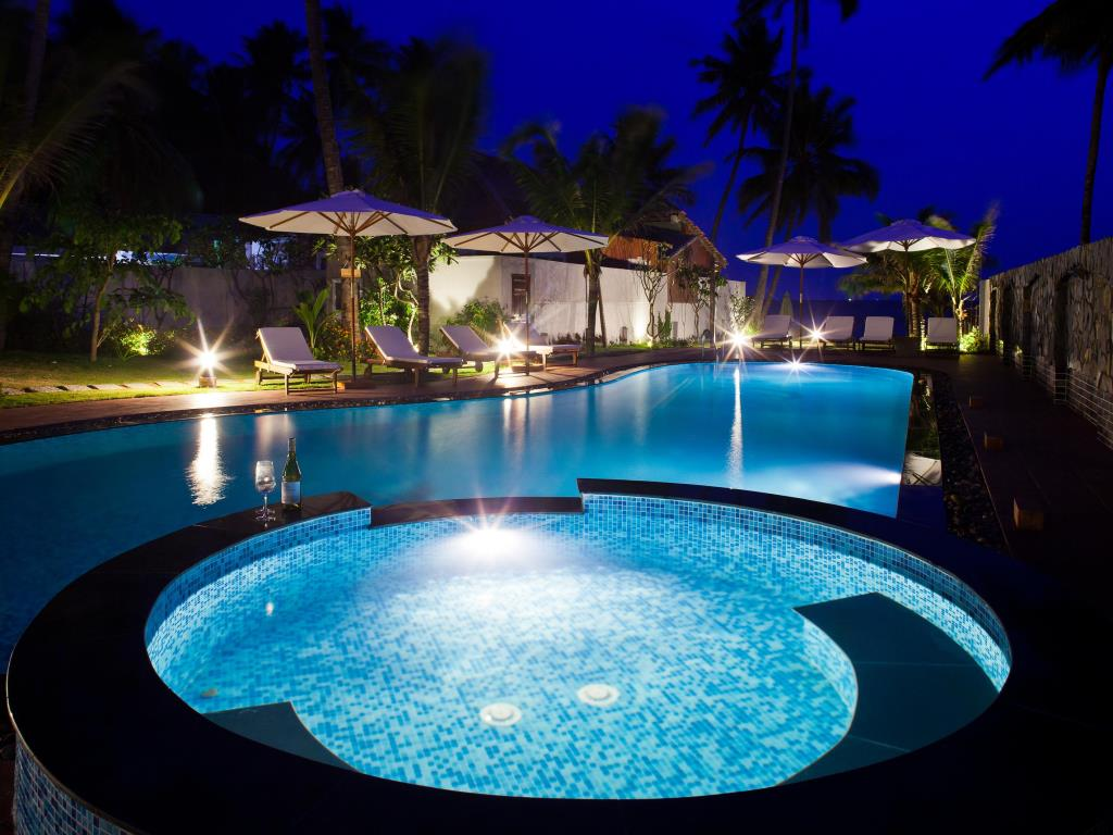 Coral Sea Resort is very romantic at night