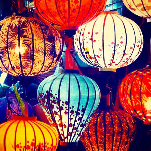 The beauty of Hoian in the April: Silk lantern making in village