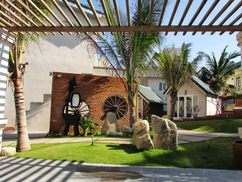 The unique architecture of Mui Ne Paradise Beach Resort