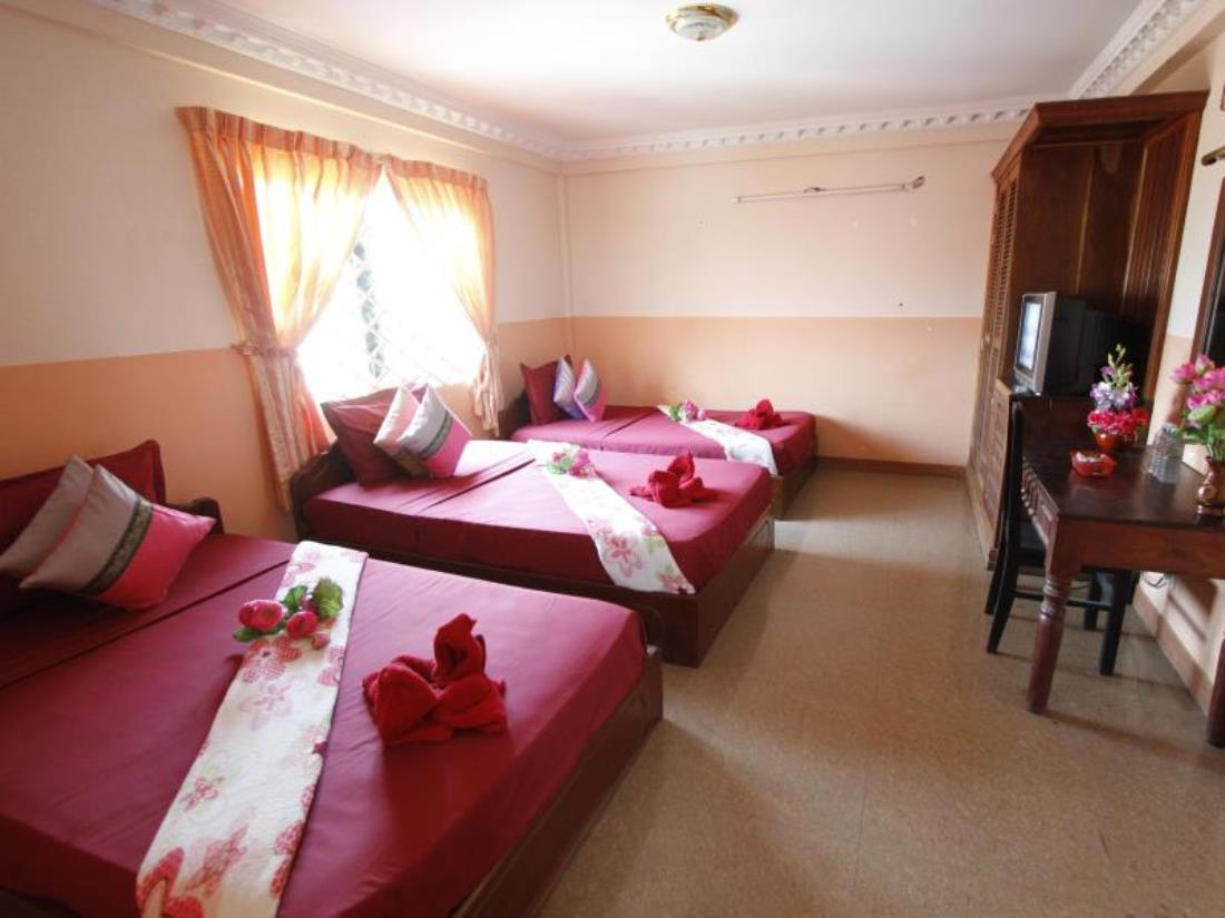 The romantic room in Adan World Hostels