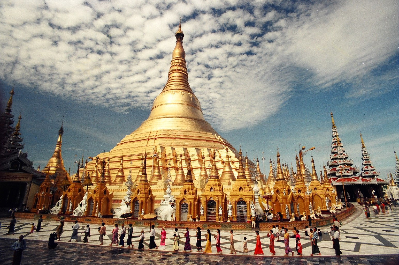Dress politely and discreetly when visiting Myanmar temples