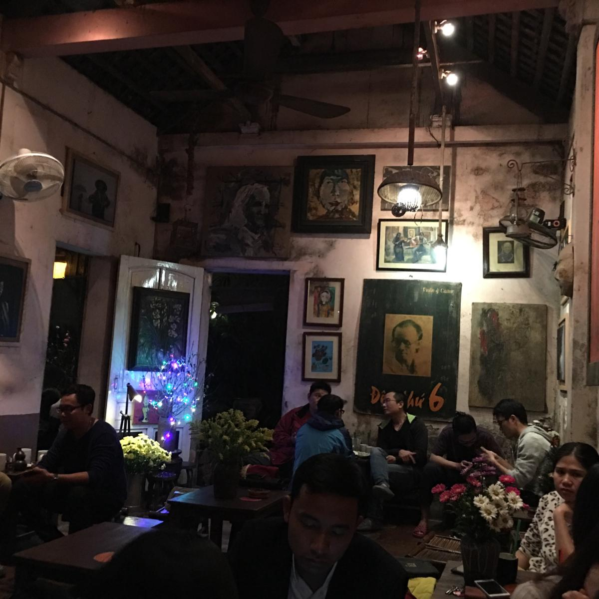 The special and unique space of Cuoi Ngo Cafe