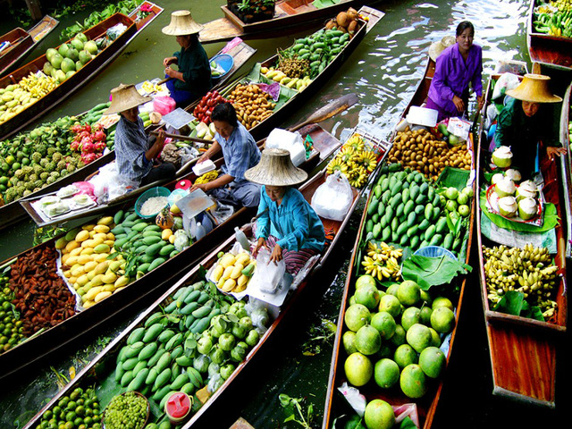 Agricultural products are sold on Nga Nam floating market