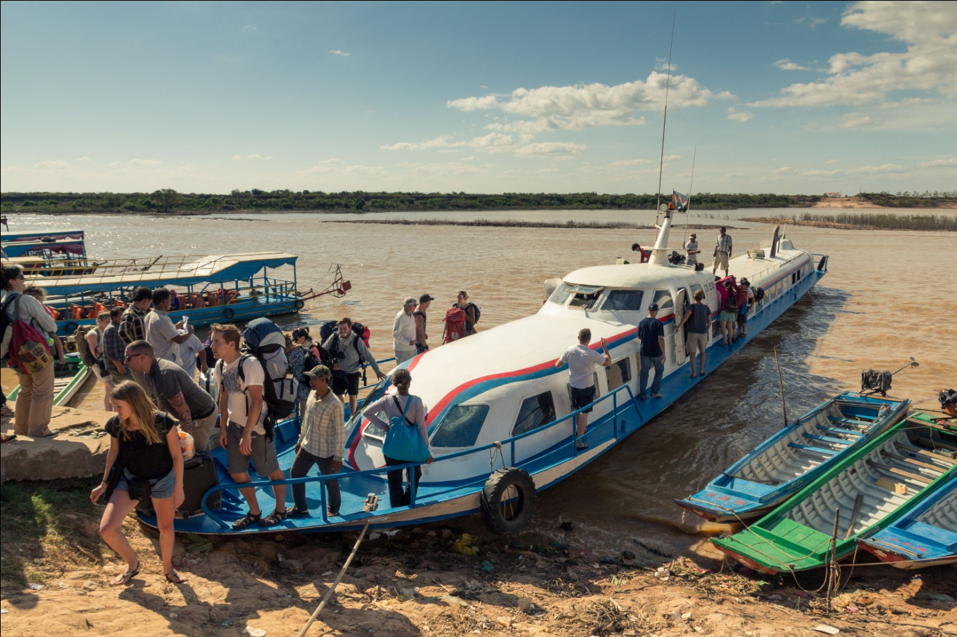 Experience boat trip from Chau Doc to Phnom Penh