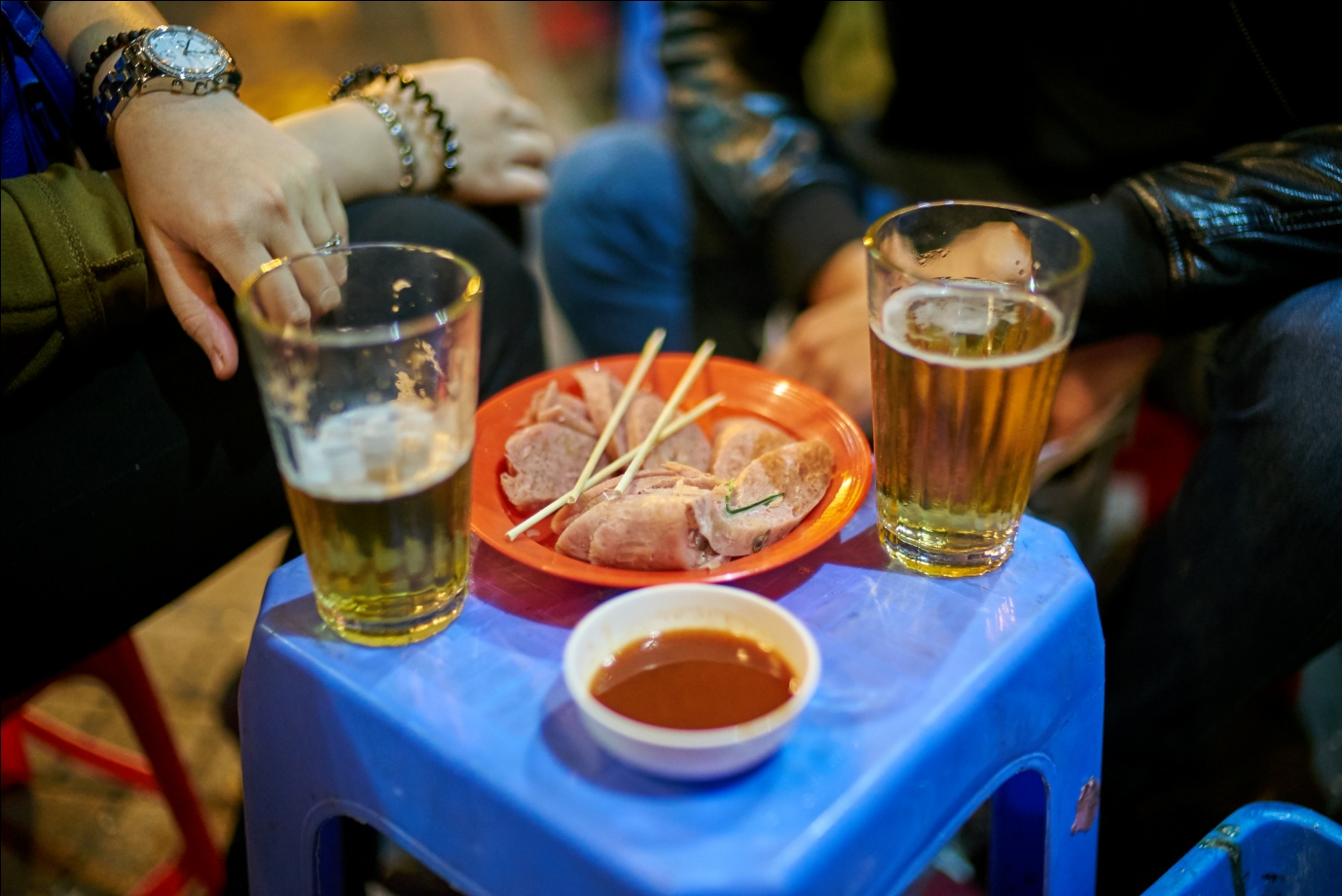 Bia hoi in Vietnam – cheapest beer in the world