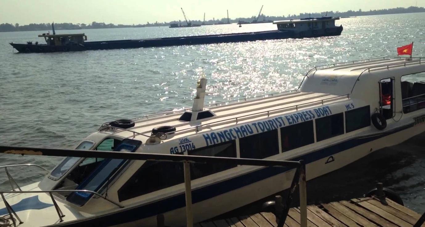 Hang Chau Express Boat
