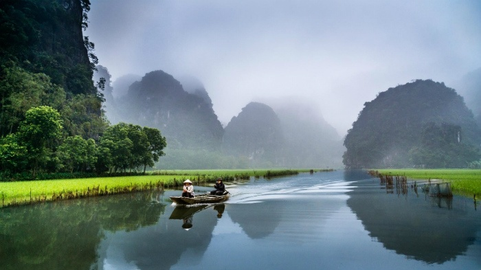 The dreaming beauty of Ninh Binh in an early morning