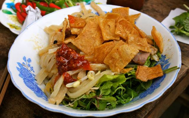 Cao Lau one of the traditional dishes of Hoi An people