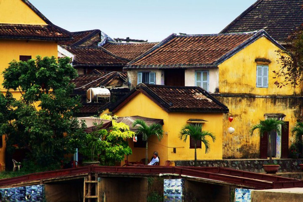 The typical yellow houses in Hoi An