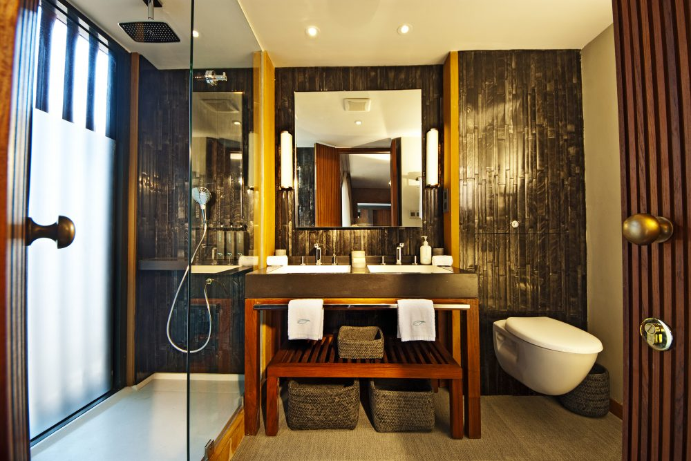 Aqua Mekong Design Suite Bathroom - High Resolution