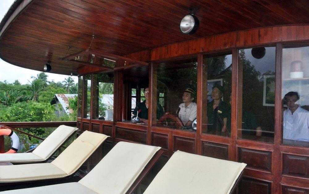 LE COCHINCHINE CRUISE Captain cabin